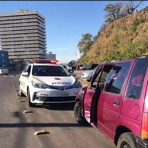 Acidente na Linha Divisória deixa motociclista ferido