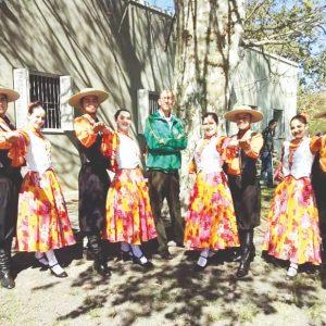 Grupo de Dança Raízes Tradição da América comemora 25 anos de fundação