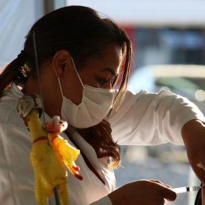 Ministros dizem que população será vacinada até o final do ano
