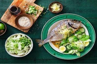 Dieta à base de vegetais e peixes pode ajudar a reduzir gravidade de COVID-19, diz estudo