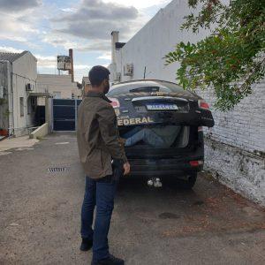 Foragido da justiça preso no Uruguai é extraditado para o Brasil