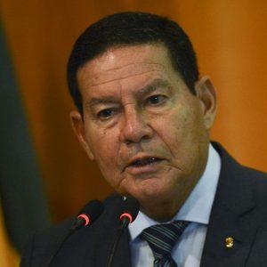 Mourão: Brasil caminha para independência na produção de vacinas