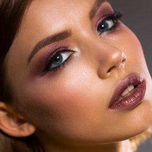 Como ressaltar os olhos na maquiagem?