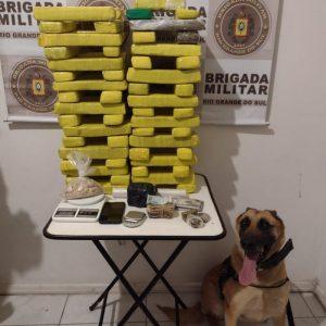 BM de S. Do Livramento prende dupla com grande quantidade de drogas
