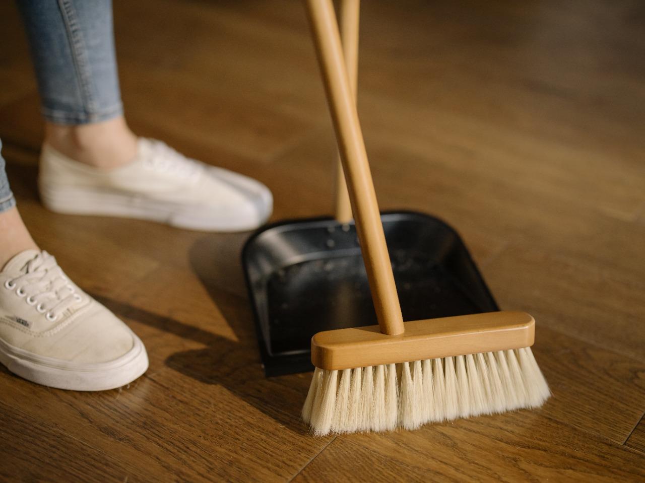 Faxina otimizada: como limpar a casa sem se cansar ou gastar muito tempo