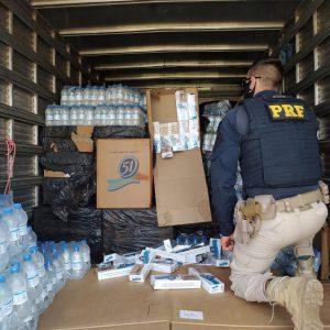 PRF apreende caminhão com contrabando que vinha para a Fronteira