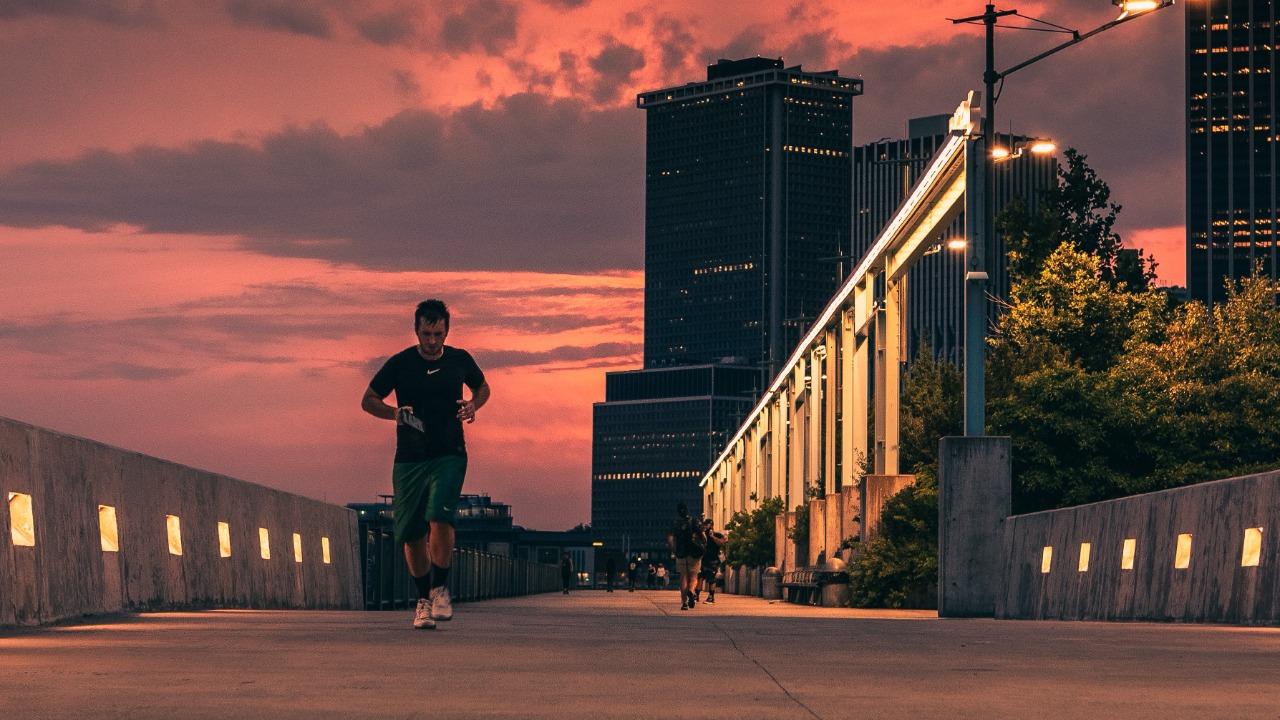 Cuidados que você deve ter ao correr em áreas urbanas