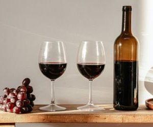 8 benefícios do vinho para a saúde
