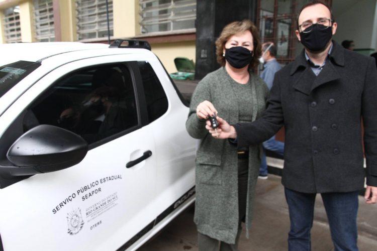 Secretária Silvana Covatti e diretor Caio Efrom