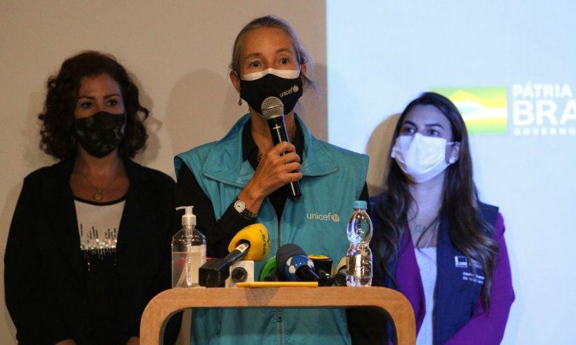 Guarulhos (SP) - Pronunciamento da representante da UNICEF no Brasil, Florence Bauer, após a chegada do carregamento de 3,8 milhões doses da vacina AstraZeneca no Aeroporto Internacional de Guarulhos.